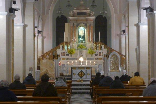 Ogni ultimo mercoledì del messe, viviamo questo bellissimo della lode e dell'adorazione